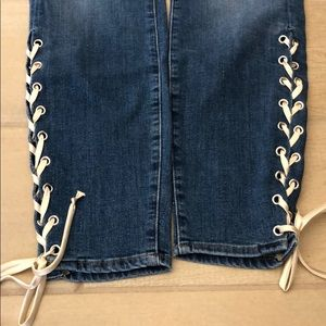Ankle laced jeans